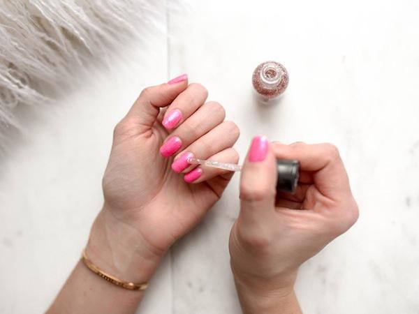 Umjetni nokti i oprema